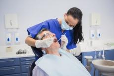 Zahnersatz & Implantate