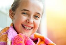 Mundhygiene mit fester Zahnspange